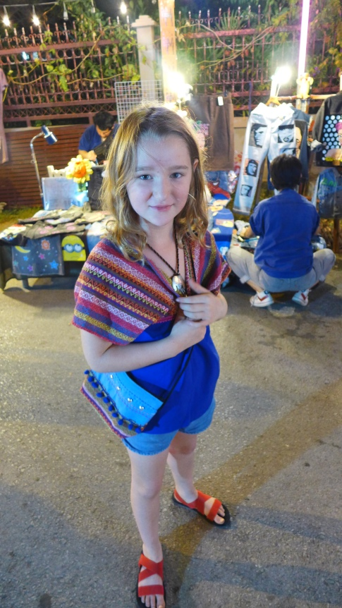 Shopping-Queen: Greta hat sich neu eingekleidet.